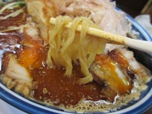西のあんまる 魚辛味噌ラーメン 麺スープ