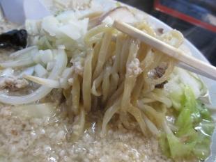 ラーチャン家 背脂タンメン 麺スープ