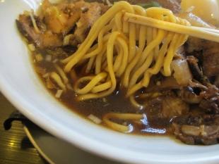 ふじの新津 肉ラーメン 麺スープ