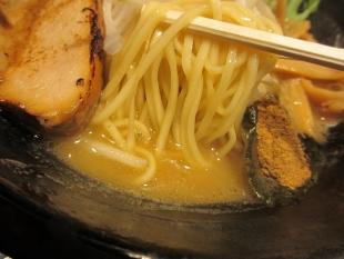我駆 濃厚ラーメン 麺スープ