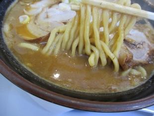 大舎厘亀田 濃厚ラーメン 麺スープ