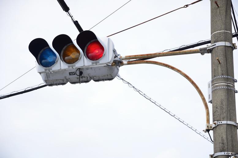 円弧アームと京三電球薄型・電材分割 〈鹿児島県志布志市〉