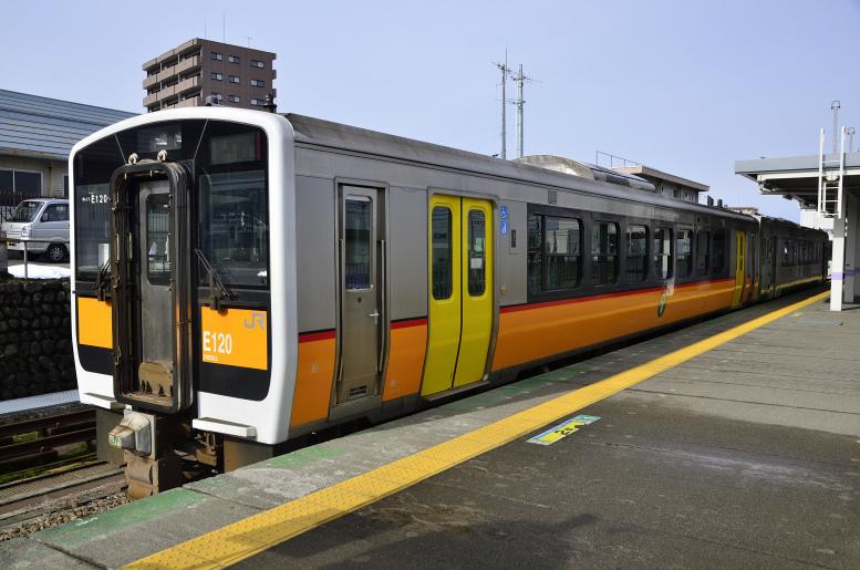 1/6-9 東北まったり乗りつぶしツアー2020 その8(米沢→今泉) 米坂線を走るキハE120に乗ります