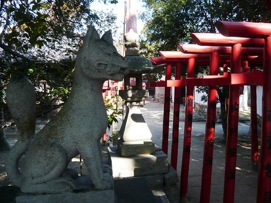 白鳥神社のお稲荷さん
