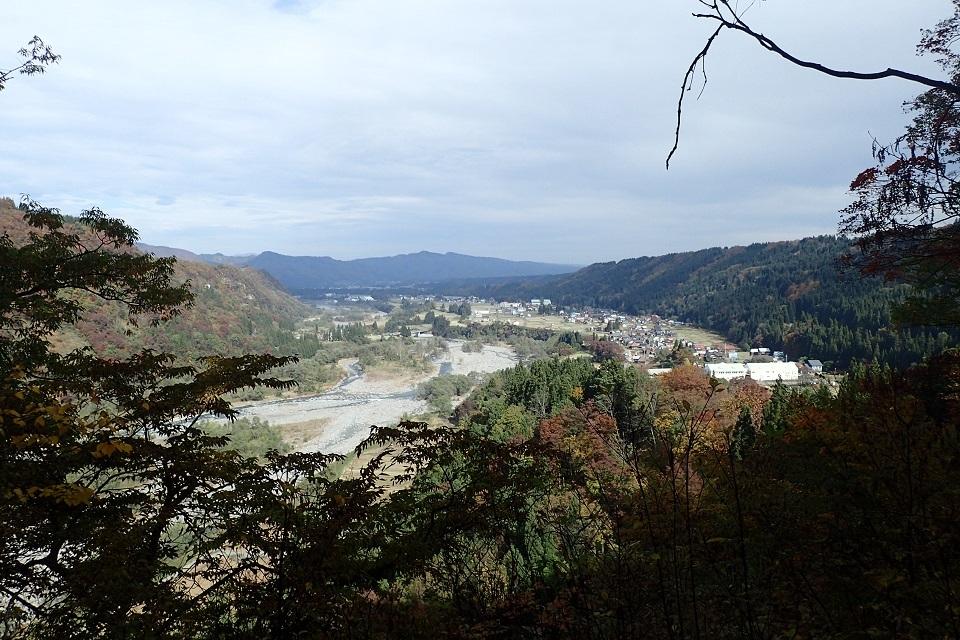 中津川と石坂橋