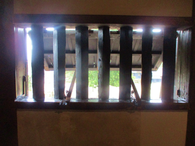 200216鉄砲窓