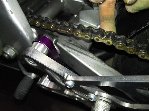 NSR50チェーンスライダー取り付け (7)