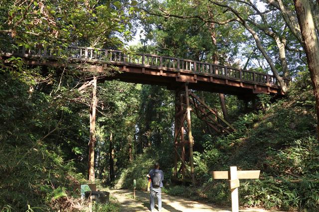 滝山城木橋