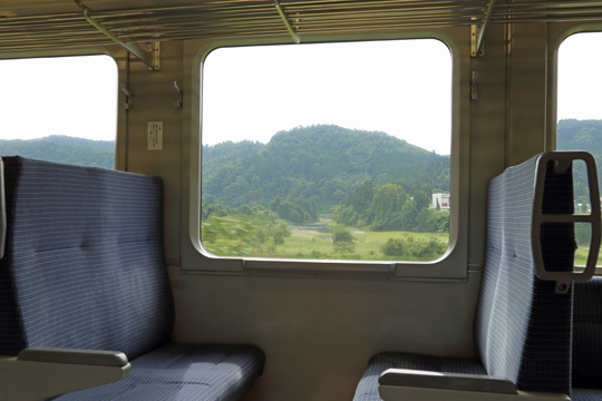 陸羽東線車内