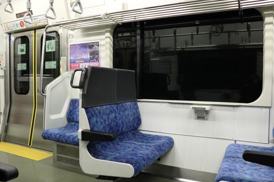 E721系車内