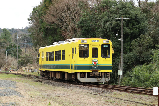 いすみ300型(302)@上総中野駅