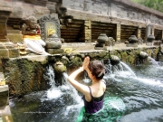 ティエタエンブル寺院 沐浴
