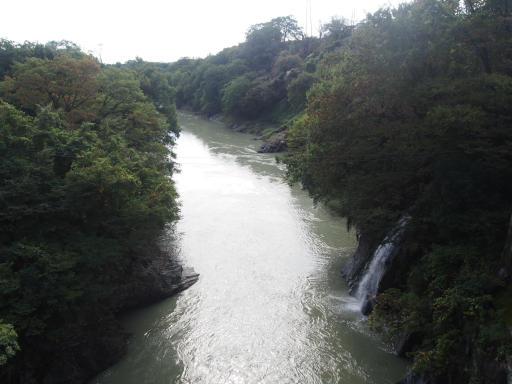 20191026・日光旅行2-02・渡良瀬川高津戸峡水多い
