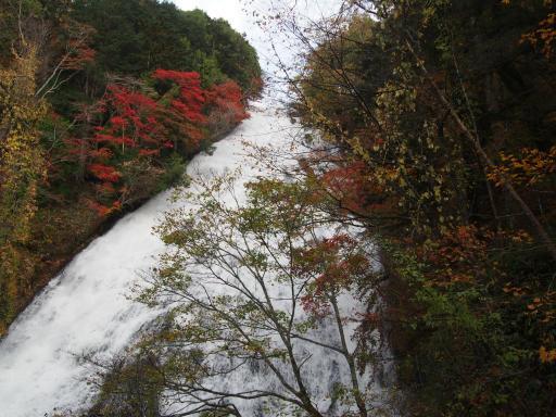 20191027・日光旅行7-03・再び湯滝、片道10~15分