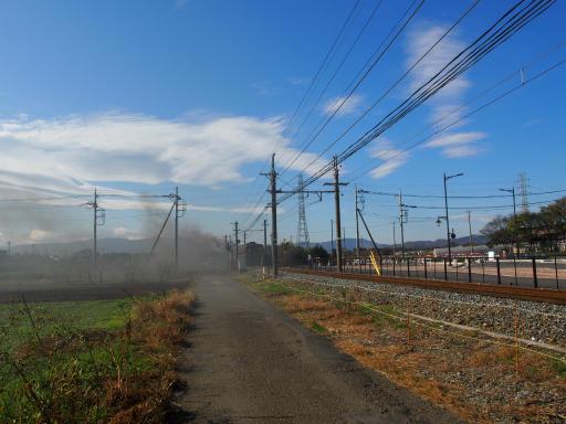 20191201・深谷ドライブ2-15・煙は残る