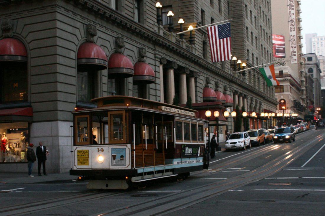 san-Francisco-cable-car-union-square-prayitno-15x10-1100x733.jpg