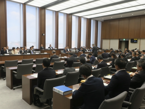 「予算特別委員会&いじめ問題勉強会」①