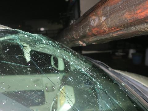 「台風19号被害。鯉のぼり竿が車3台を直撃しました。」① (6)_R