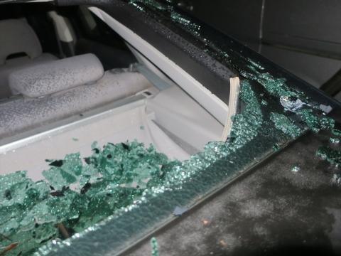 「台風19号被害。鯉のぼり竿が車3台を直撃しました。」① (15)_R