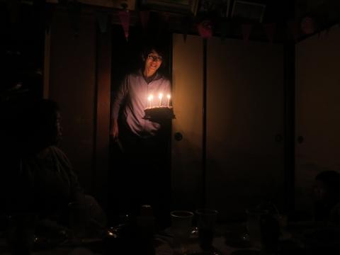 「戸井田和之55歳!サプライズバースデーパーティー。」 (1)_R