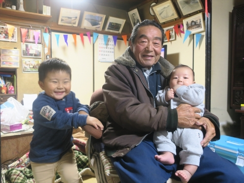 「戸井田和之55歳!サプライズバースデーパーティー。」 (32)_R