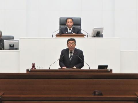 「茨城県議会第4回定例会にて委員長報告・条例制定」①1