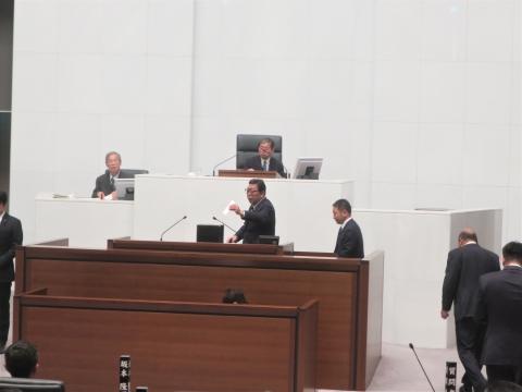「茨城県議会第4回定例会にて委員長報告・条例制定」⑥