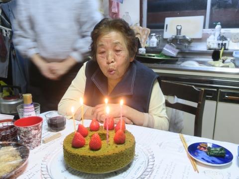 「母、朋子の84歳の誕生日」②_R