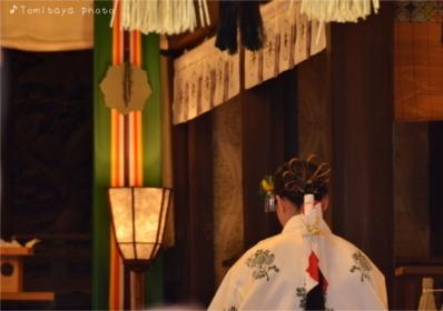 祈り 巫女 神社