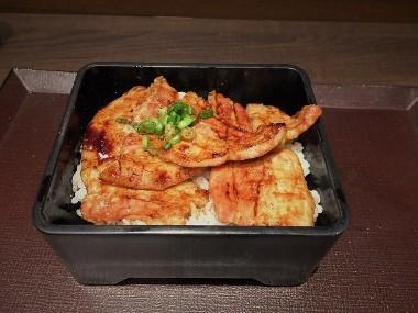 13厚切りカルビ豚丼1014