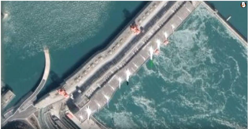 三峡ダムの大変形