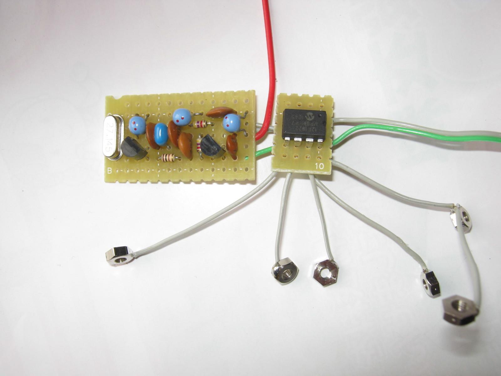電動乗用ラジコンカー(27MHzTX2コントローラ製作)基板1
