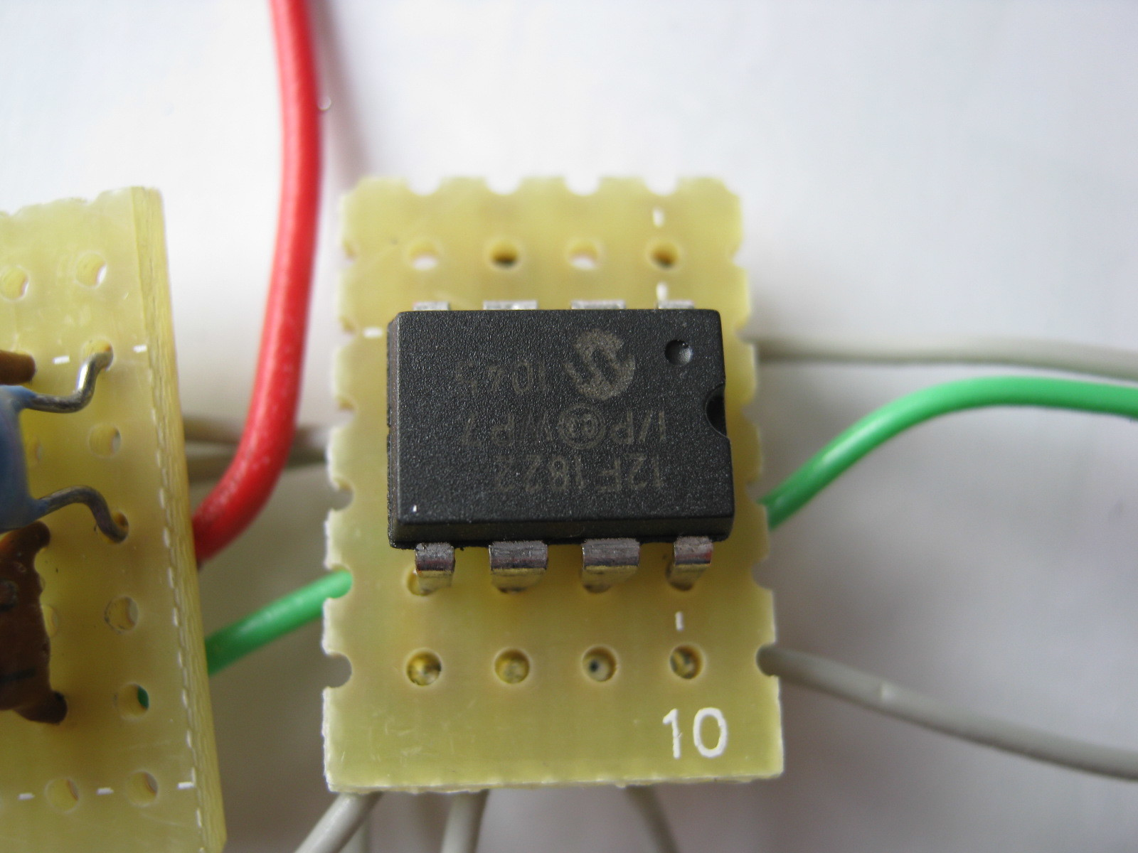電動乗用ラジコンカー(27MHzTX2コントローラ製作)基板2