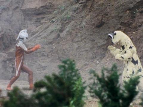 ウルトラセブン vs エレキング