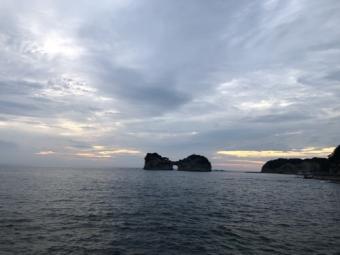 白浜_円月島の夕陽