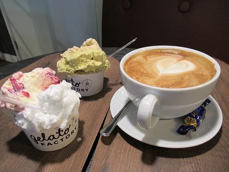 Robert's coffeeアイス&カフェラッテ