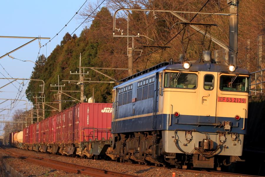 900-EF65-200312F0.jpg