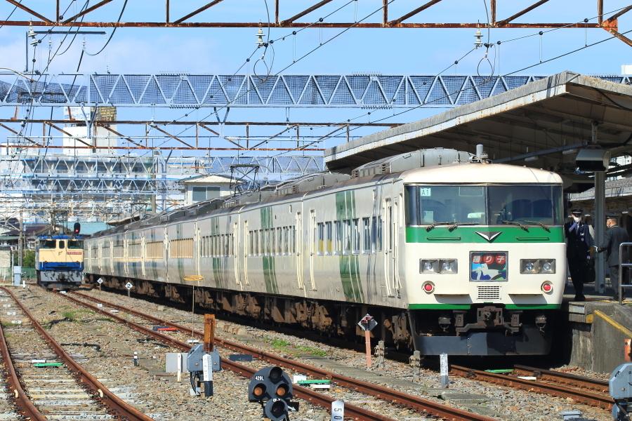 900-EF65-200317X4.jpg