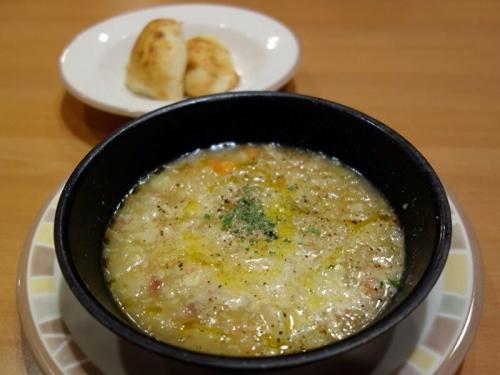 田舎風やわらかキャベツのスープ