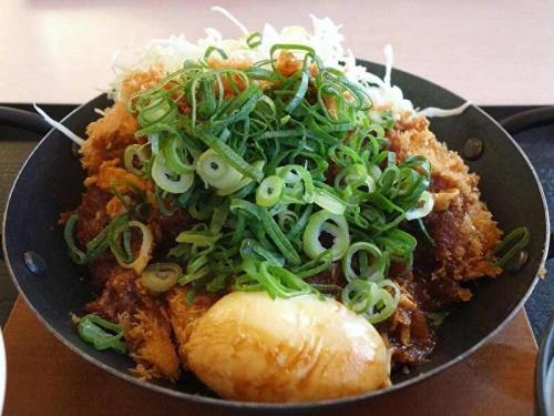 青ねぎ味噌チキンカツ鍋