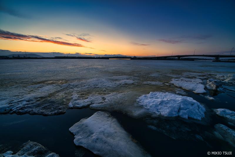 絶景探しの旅 - 絶景写真 No.1270 氷雪で覆われるサロマ湖畔 (北海道 北見市 常呂町)